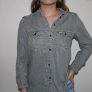 A camo long sleeve shirt for the fall.
